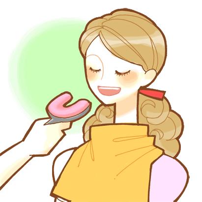 歯型を取っている女性